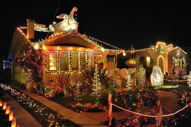 Christmas-Tree-Lane-alameda.jpg