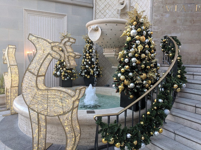 rodeo-drive-christmas.jpg