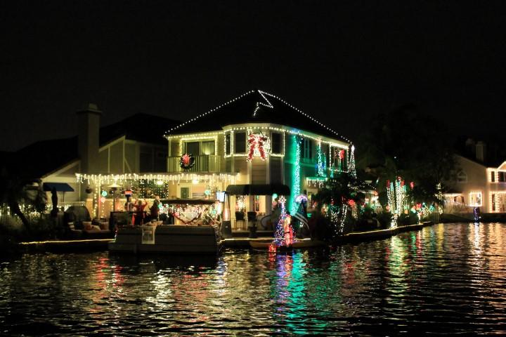 yorba-linda-christmas-boat2.JPG
