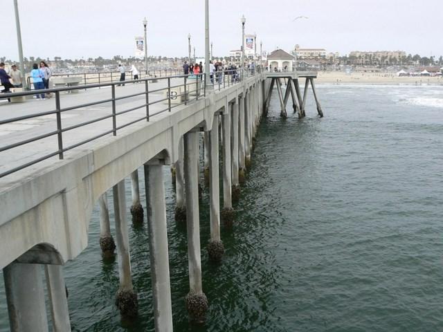 huntington_beach_pier.jpg