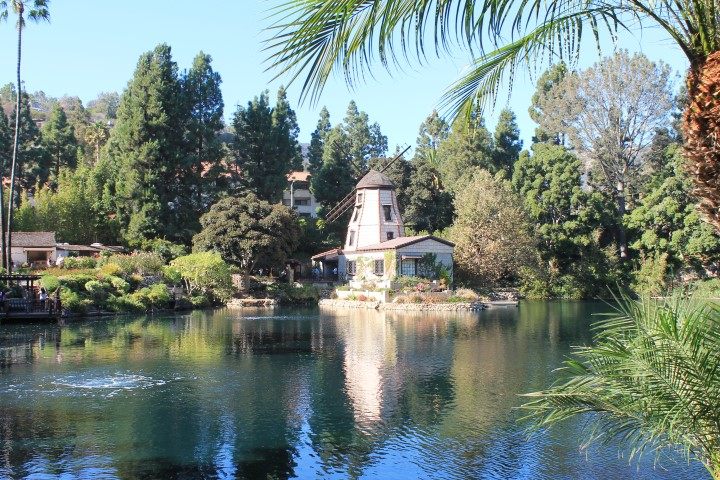 lake_shrine1.JPG