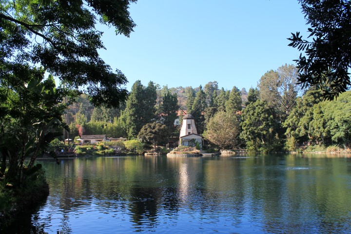 lake_shrine7.JPG