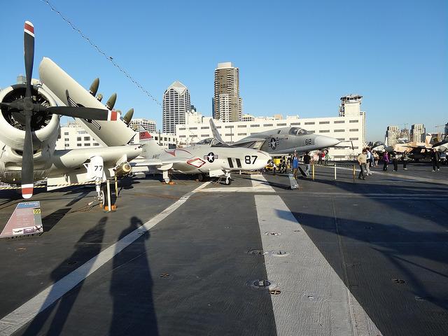 USS-Midway-02.jpg