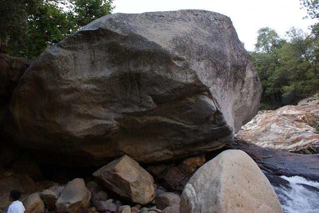 hostapil-rock1.jpg