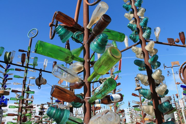 Bottle-Tree-Ranche06.JPG
