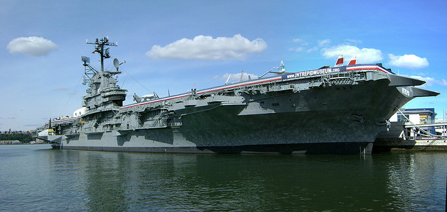 Intrepid_Museum.jpg