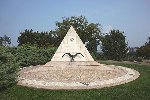 Arlington-National-Cemetery.jpg