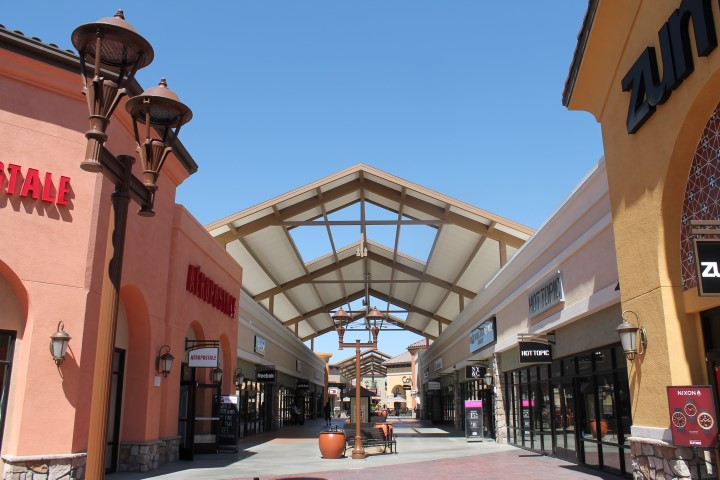 tajon-outlet2.JPG