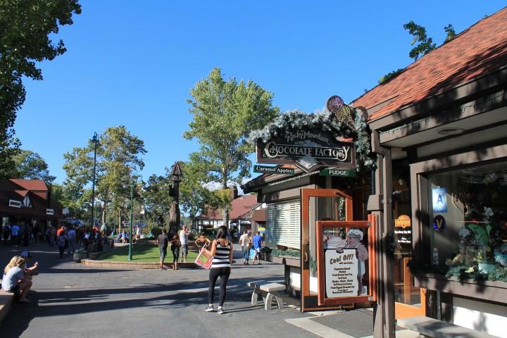 lake-arrowhead-village10.JPG