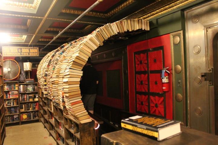 lastbookstore6.JPG
