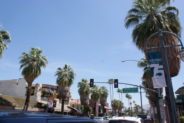 downtown-palmsprings2.JPG