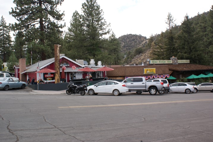 wrightwood-village1.JPG