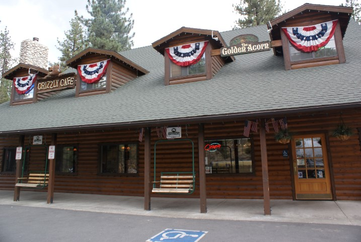 wrightwood-village8.JPG