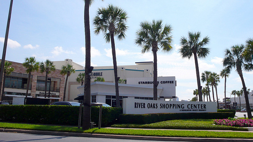 River-Oaks-Shopping-Center.jpg