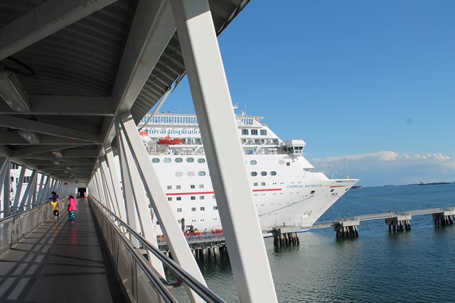 cruise-02.jpg