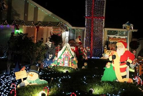 奇諾市社區聖誕燈 Chino Christmas Lights 美國城鎮旅遊網