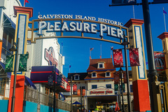 pleasure-pier01.jpg