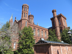 Smithsonian-Castle.jpg