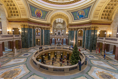 Wisconsin-State-Capitol.jpg
