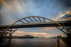 Hoan-Bridge.jpg