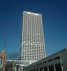 us_bank_center.jpg
