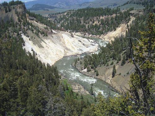YellowstoneNationalPark12.jpg