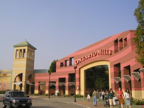 Fashion Valley Mall Sarku Japan