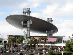 fashion_show_mall.jpg